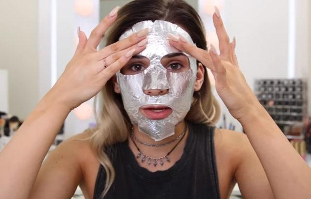 Maska za lice od aluminijumske folije je spas posle neprospavane noći