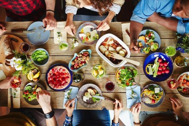Jelovnik sreće i zadovoljstva: Ove namirnice podstiču bolje raspoloženje!