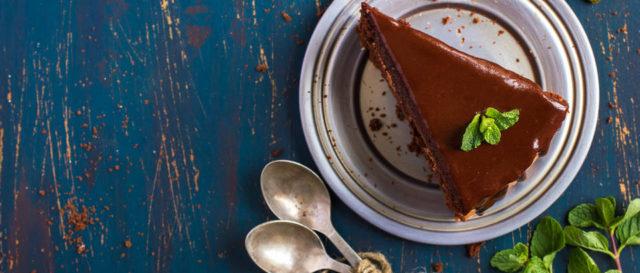 Ljepljiva čokoladna torta