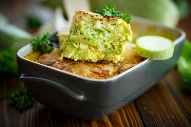 Zdrava i ukusna musaka od tikvica: Brzinsko jelo bez mesa! (RECEPT)