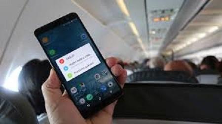 """Šta se desi ako u avionu ne stavite telefon na """"airplane mode"""""""