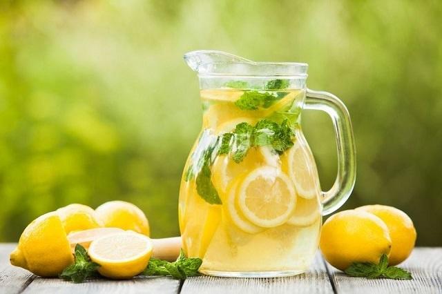 Nedelju dana pila je vodu sa limunom: Ovo se zapravo dešava u organizmu!
