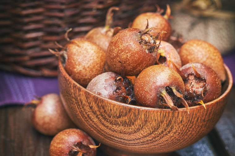 Nepravedno zapostavljena voćka je prirodni lek: Evo zašto treba da jedete mušmule!