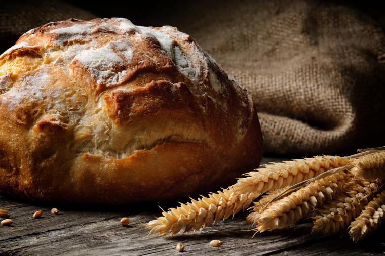 Napravite seljački hleb: Spolja hrskav, a unutra toliko mekan da se topi u ustima! (RECEPT)