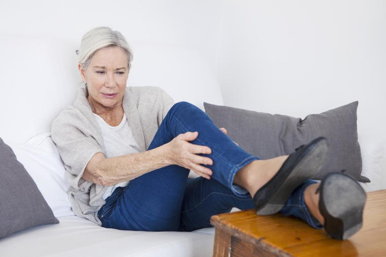 Stopala i zglobovi su vam otekli: 6 stvari koje vam telo poručuje!