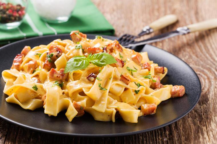 Italijanski kuvar otkrio tajnu: Evo kako se pravi najsavršenija pasta karbonara! (RECEPT)