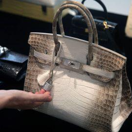 Rekordna cijena za bijelu torbu od krokodilske kože
