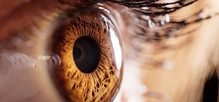 Ovo najviše uništava ljudske oči: Zamućen vid i osetljivost na svetlo su prvi simptomi