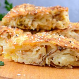 Rolat-pita sa sirom, jajima i jogurtom – sočna i preukusna! (RECEPT)